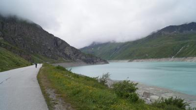 233 CH Moiry barrage (Val d'Anniviers).jpg