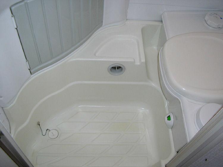 Używanie Prysznica W Przyczepie Instalacje Sanitarne I